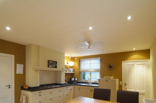 onderhoudsvrije keukenplafonds. Black Bedroom Furniture Sets. Home Design Ideas